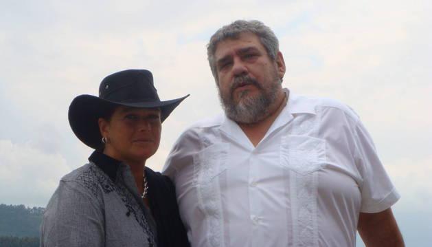 Begoña Larrauri Unibaso y Julián Carlos Mezo Legarra.