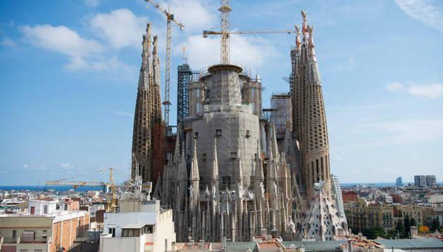 Imagen de la fachada trasera de la Sagrada Familia de Barcelona.