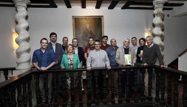 Imagen de la reunión entre representantes de la mina Geoalcali con alcaldes de Navarra y Aragón en Sangüesa.