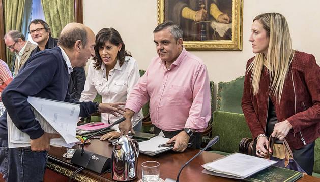 El cuatripartito no apoya las denuncias por la fiestas de Aldapa
