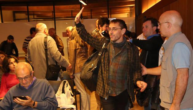 Monedero, entrando en la sala que acogió la asamblea.