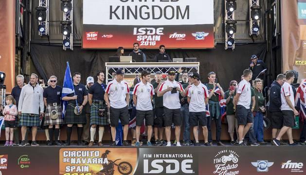 Desfile de Banderas del Campeonato de Enduro 'Six Days'