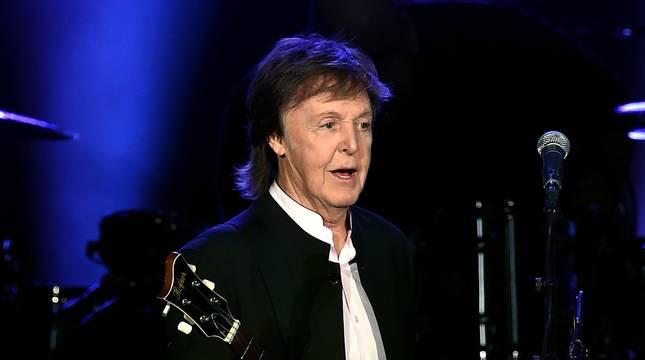 Imágenes de Paul McCartney y Neil Young, en la segunda jornada del festival