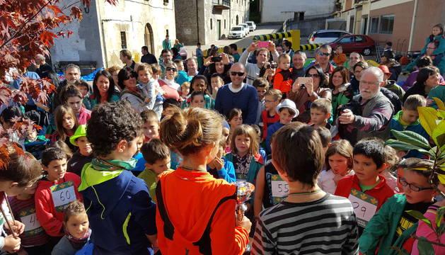 Entrega de premios del cross infantil celebrado sobre las once de la mañana.