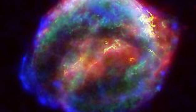 La luminosa estrella de Kepler cumple 412 años