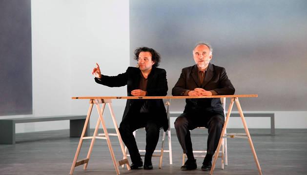 Los españoles Jaume Vallaure (izquierda) y Rafael Lamata son los integrantes de Los Torreznos. El dúo llega mañana al Teatro Gayarre con el espectáculo La Cultura.