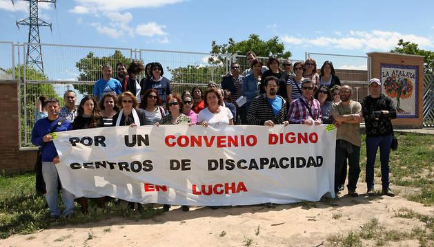 Imagen de una protesta anterior de los usuarios y trabajadores del Centro Atalaya de Pamplona.