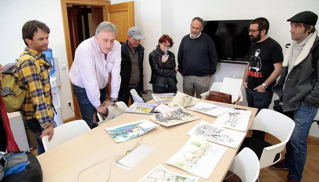 Seis sketchers (dibujantes 'in situ') participan en un programa entre Pamplona, Hondarribia y Bayona.