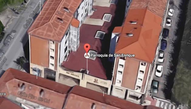 Vista aérea de las claraboyas de la parroquia San Enrique en Pamplona.