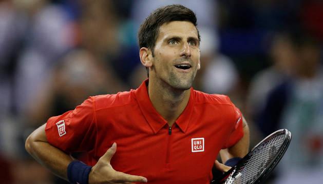 Djokovic celebra el pase a semifinales del Torneo de Shanghai