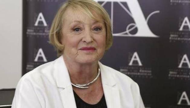 Yvonne Blake.