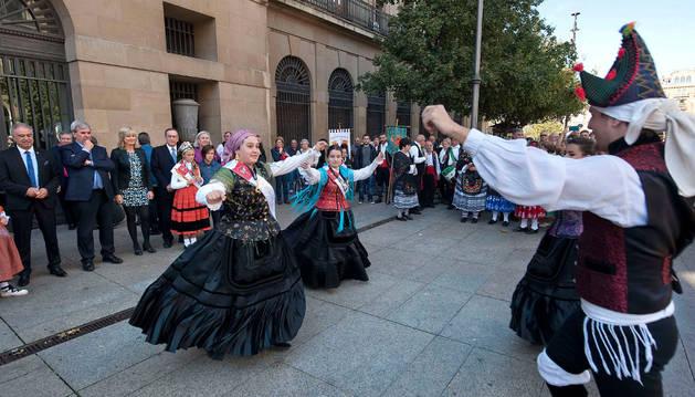 Imagen de la exhibición de bailes.