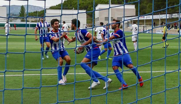 Isaac, Bruno, Pito y Cabrera celebran el tanto conseguido por el central ayer y que supuso el empate final ante el Boiro.