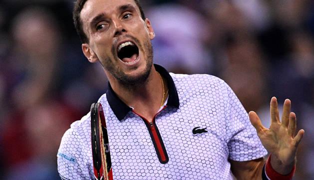 Roberto Bautista durante el partido ante Murray en la final del Masters 1000 de Shanghái.