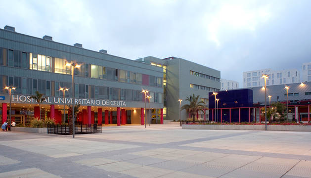 El Hospital Universitario de Ceuta, donde permanece ingresado el joven.