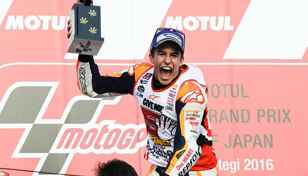 Márquez logra su tercer título mundial tras vencer en Motegi