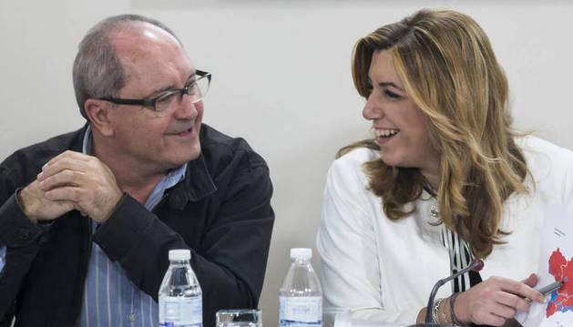 Susana Díaz y su secretario de Organización, Juan Cornejo.