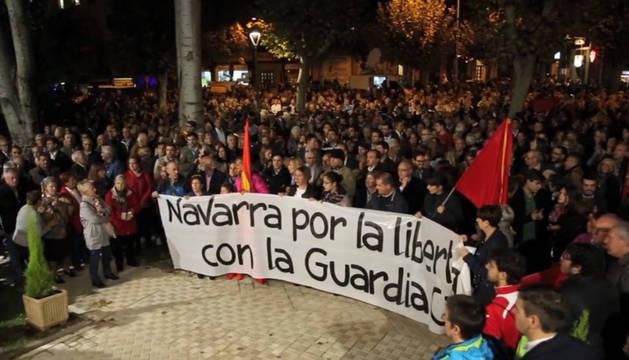 Foto de la concentración de apoyo a la Guardia Civil en Pamplona.