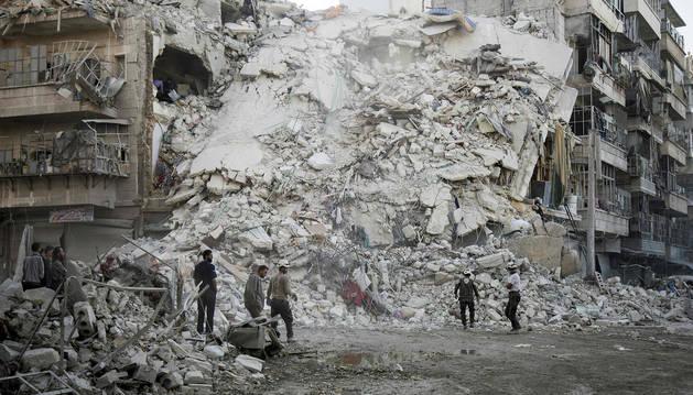 Rusia anuncia que sus fuerzas armadas y las sirias han cesado el fuego en Alepo