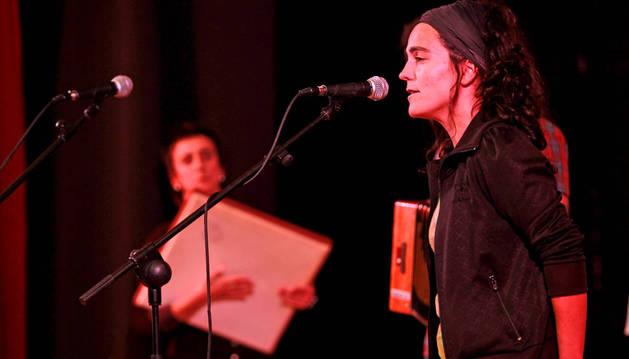Una actuación en el Bertsoaroa de 2011.