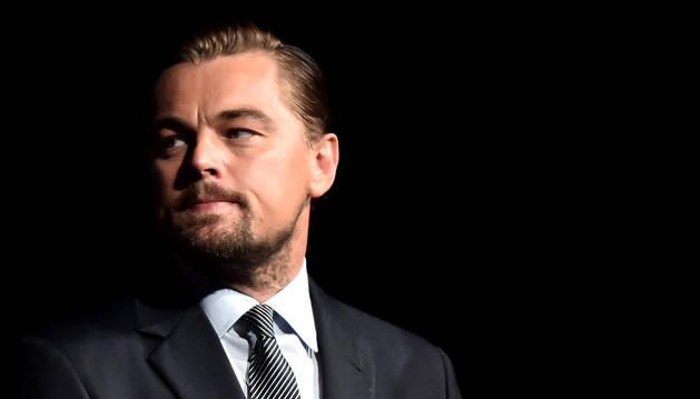 El actor Leonardo DiCaprio acaba de estrenar un documental sobre el cambio climático y ahora adaptará al cine una serie ecologista.