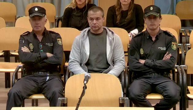 Foto de Antonio Ortiz, el presunto pederasta de Ciudad Lineal, al inicio del juicio.