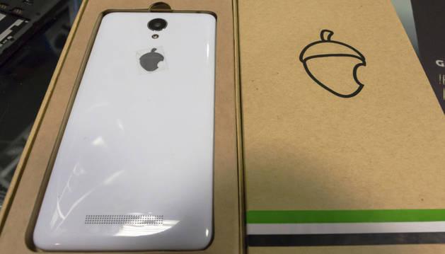 Teléfono Zetta, 'el iPhone extremeño', supuestamete diseñado y ensamblado en Extremadura.