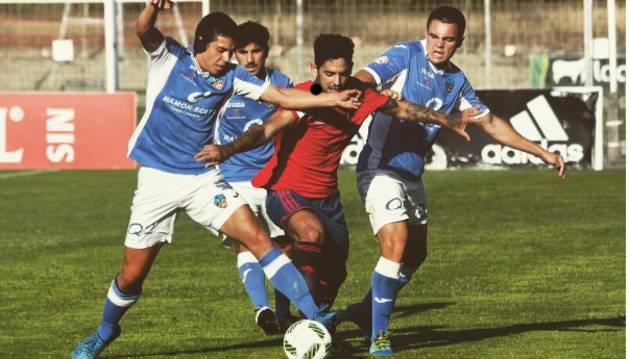 Manu Cordero, durante un partido con Osasuna