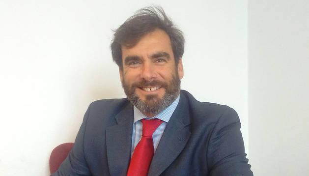 foto de Alexander Aizpitarte, responsable de Negocio Internacional del Santander en Navarra