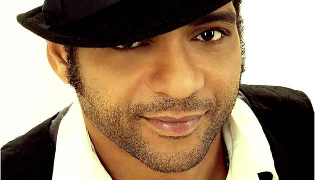 Descemer Bueno, el músico que compuso la canción 'Bailando' para Enrique Iglesias.