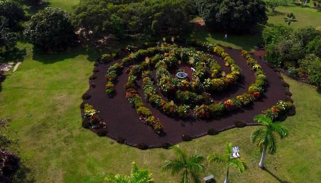Imagen del jardín de la galaxia original, en un parque de Kona, en Hawaii.