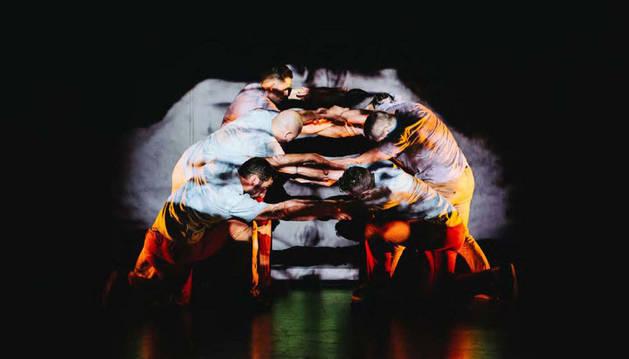 Momento del espectáculo de danza 'Nagare', que se podrá ver en Lesaka.