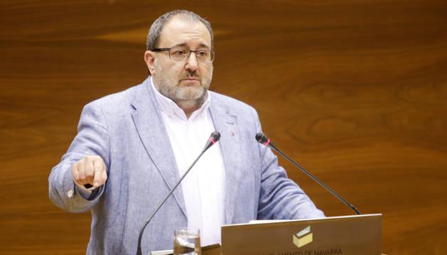José Miguel Nuin, en el Parlamento de Navarra.