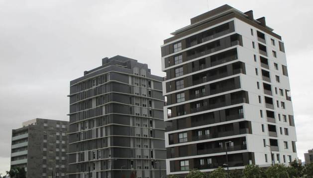 Foto de viviendas en el barrio pamplonés de Lezkairu.