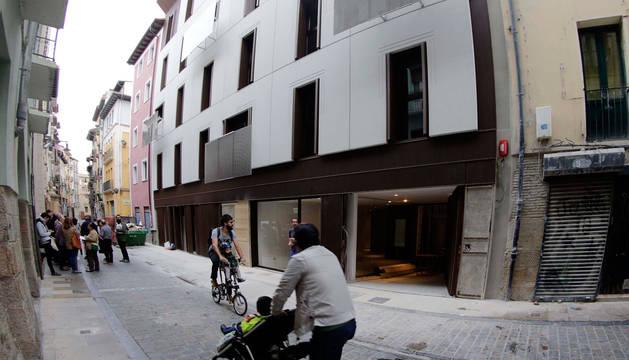Imagen de las viviendas públicas eficientes en la calle Descalzos.