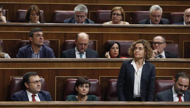 La diputada del PSOE Meritxell Batet durante las votaciones del debate de investidura del líder del PP, Mariano Rajoy.