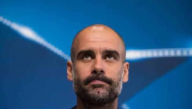 Guardiola durante la rueda de prensa previa al City-Barça