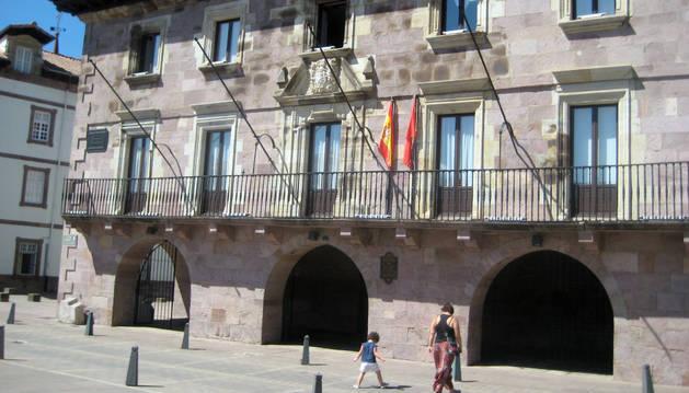 Ayuntamiento de Elizondo.