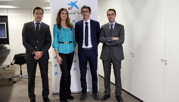 La caixa aporta euros a proyectos de dos for Oficinas la caixa en valencia