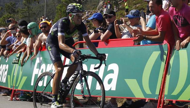 Rubén Fernández a su llegada al mirador de Ézaro en la pasada Vuelta