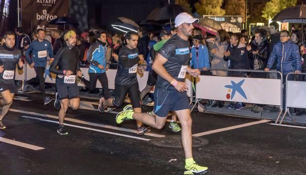 Más de 4.000 corredores tomaron este sábado Pamplona en la IV edición de la Carrera de las Murallas.