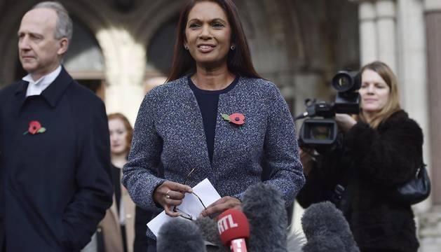 La empresaria británica Gina Miller, a las puertas del Tribunal Superior en Londres el pasado jueves.