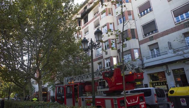 Muere la menor que se precipitó de un quinto piso en un incendio en Zaragoza