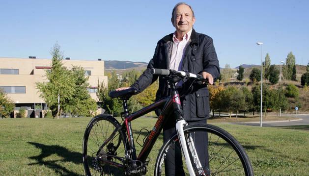 Fernando Irujo López es el creador de Bielas extensibles, que permiten incrementar un 20% la potencia del pedaleo.
