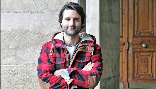 David Asín, ayer, en la Plaza del Castillo de Pamplona.