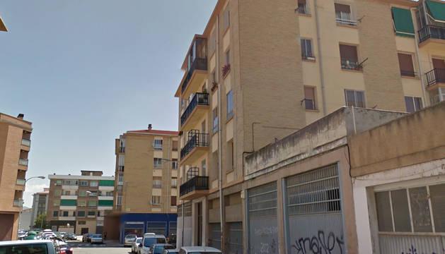 Una calle del barrio de la Rochapea en Pamplona.