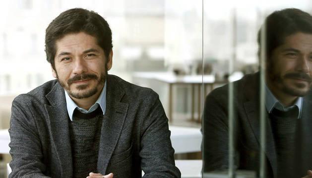 El mexicano Juan Pablo Villalobos gana el premio Herralde de novela