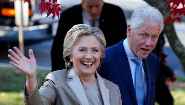 Hillary Clinton, junto a su marido Bill.