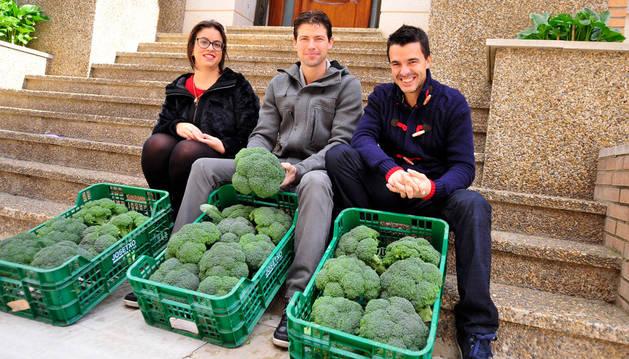 Los concejales que han organizado las jornadas, desde la izda., Ángela Alfaro, Israel Villanueva y José Antonio García.