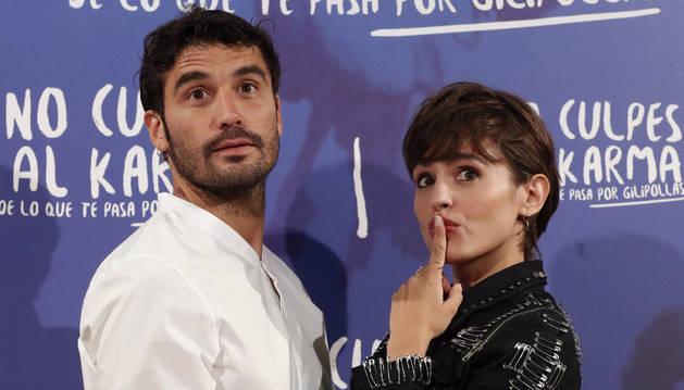 Los actores Alex García y Verónica Echegui, durante la presentación en Madrid de la cinta.
